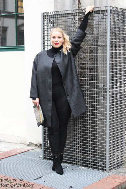 plus size blogger caterina megabambi zizzi black label mantel formgefühl
