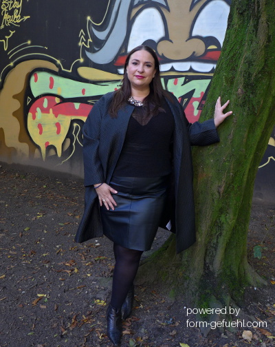 plus size blogger manuela cosenza zizzi black label coat formgefühl